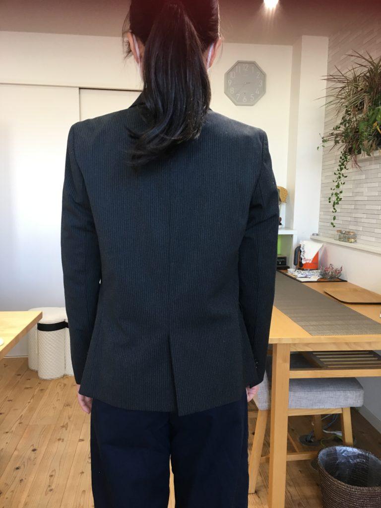 骨格ストレートは厚手や硬めの素材のジャケットが似合う